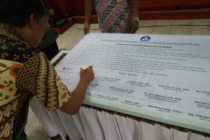 Deklarasi dan Penandatanganan Maklumat Pelayanan dan Komitmen Penerapan Kerja 7